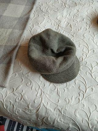 gorra de HyM casi nueva