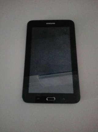 Tablet Samsung y funda.