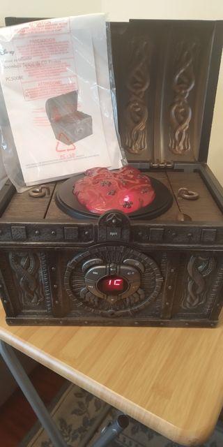 """Reproductor de CD """"Piratas del Caribe"""" cofre"""