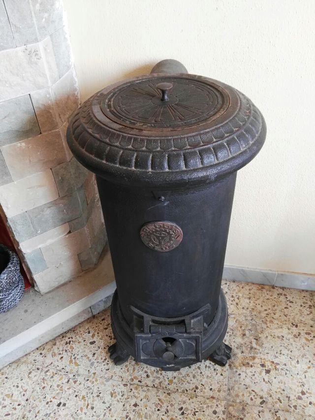 Estufa de hierro forjado antigua