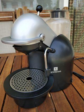 Cafetera profesional Krups FNA1 descalcificada