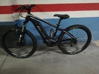 bicicleta eléctrica montaña