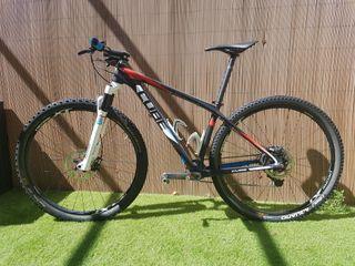 Bici MTB toda Carbono 29. Cube M