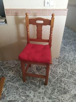 Mesa y 8 sillas