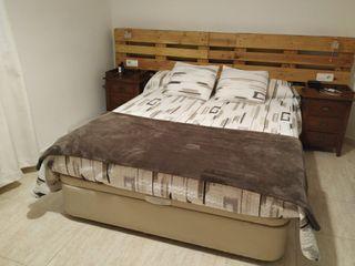Canapé y colchón de viscoelástica.