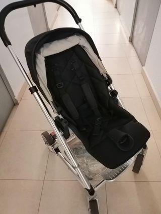 se vende carro de bebé + cuco a estrenar