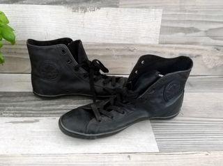 Zapatillas Converse de piel. Mujer. 39-40