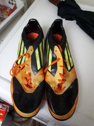 zapatillas de fútbol talla 44