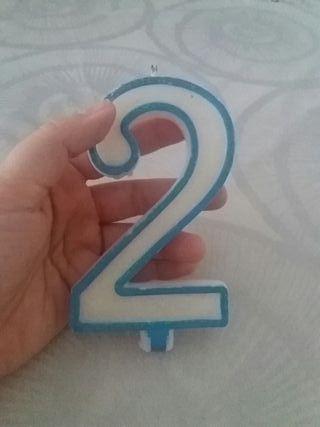 Vela con el numero 2