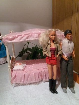 Barbie, ken y cama.Años 80/90