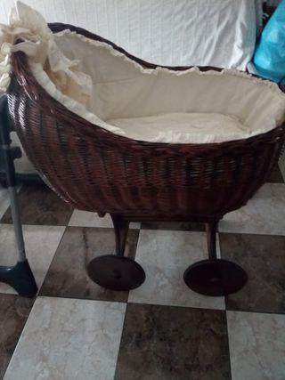 mueble bañera y cuco de minbre