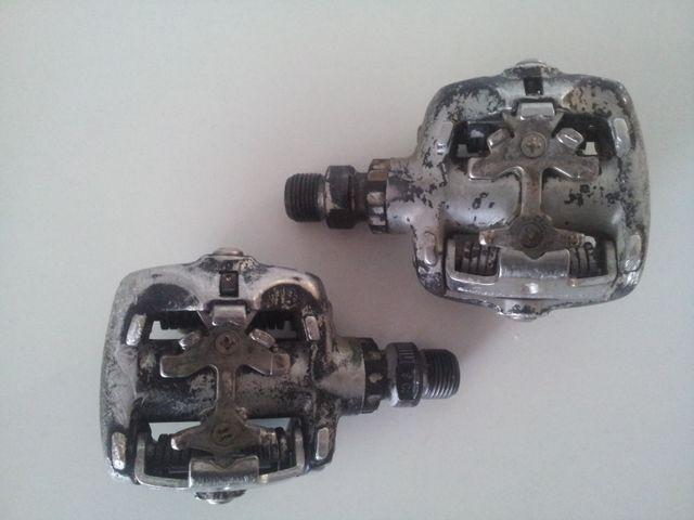Pedales automáticos bici montaña Shimano XT M525