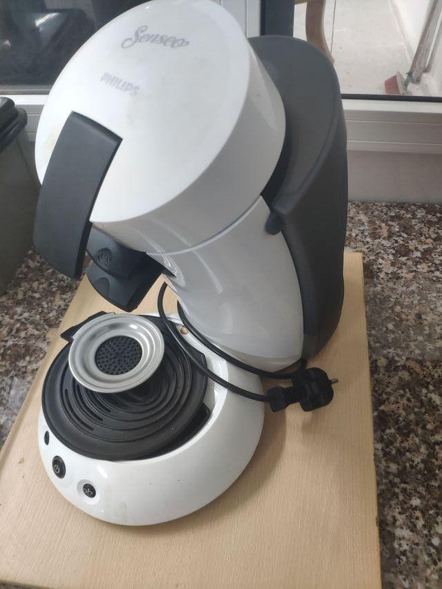 Cafetera Senseo de Philips casi sin uso, cápsulas