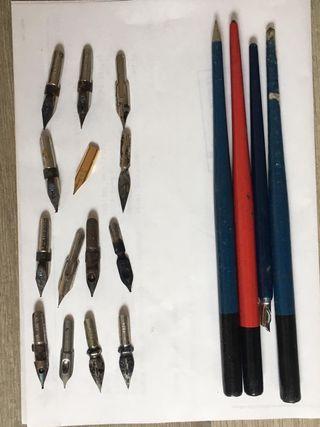 Plumas de madera y plumines