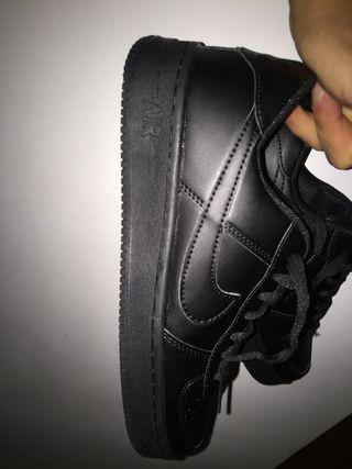 97f1829f1 Zapatillas Nike Negras de segunda mano en la provincia de Tarragona ...