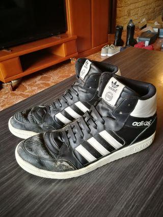 Adidas talla 47 negras/blancas