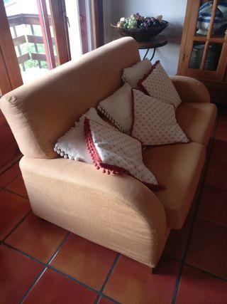 dos sofás (tres plazas y dos plazas)