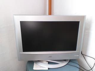 TV COLOR JVC 22""