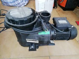 motor y filtro de piscina