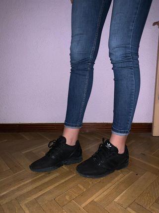 Adidas zx Flux negras