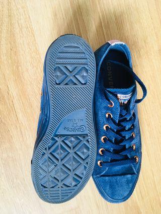 Converse blue size 7