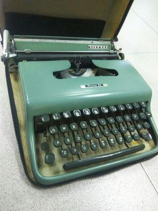 Olivetti pluma 22