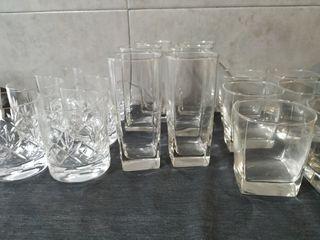 Juego de vasos y tazas