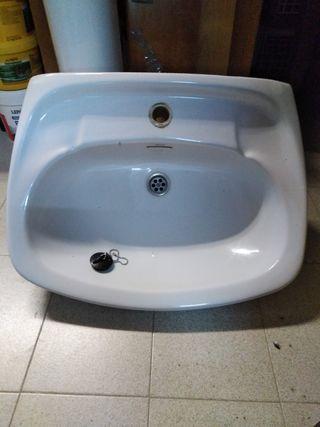 Pica de lavabo amb peu