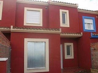 Casa adosada en venta en Pilas