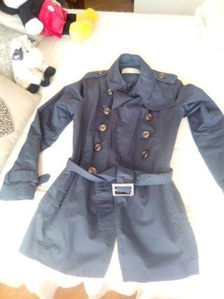 Chaqueta negra con cinturon