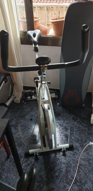 Bicicleta estática Airis