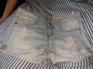 pantalón corto del bershka