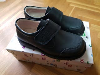 La Mano Wallapop De Colegio Zapatos Provincia En Segunda Toledo W2YHIeED9b