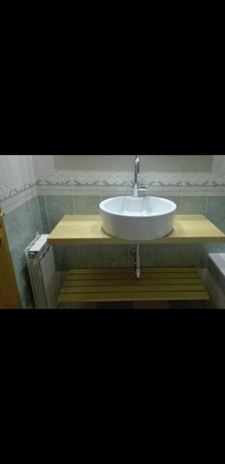 Mueble y lavabo baño