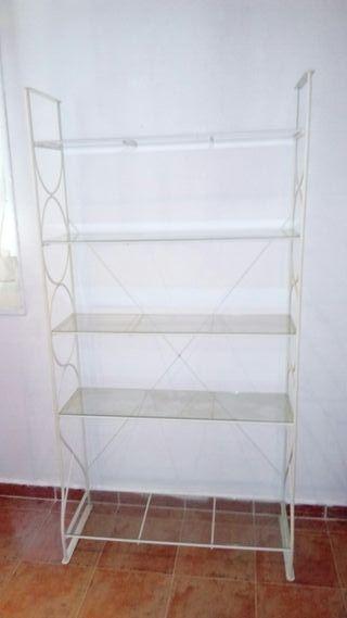 estantería blanca de cristal