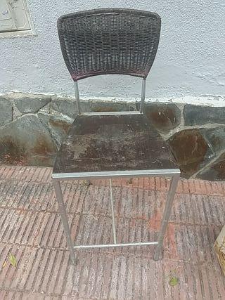 silla alta de bara del bar