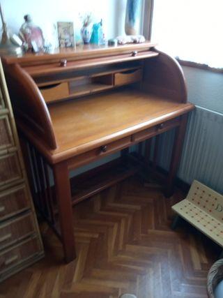 bureau de madera en perfecto estado