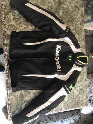 Cambio o Vendo chaqueta Motera Kawasaki cordura