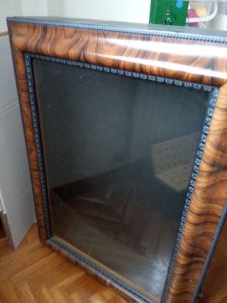 vitrina 60x80x17 cms
