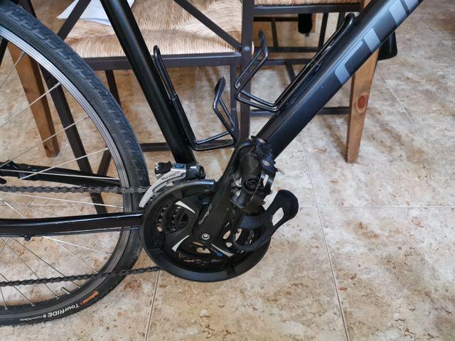 bicicleta trekking aluminio cube modelo curve