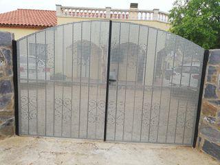 puerta garaje con chapa galvanizada