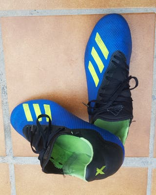 Botas Adidas fútbol multitaco