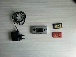 Gameboy micro con 2 juegos.