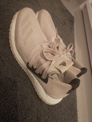 zapatillas Adidas boost 42.5