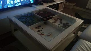mesa salon blanca con cajon y cristal 90x90