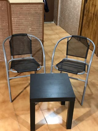 Mesita y sillas conjunto