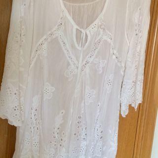 Camisola blanca verano.