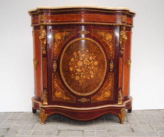 Antiguo mueble recibidor