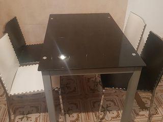 Mesa comedor + 6 sillas.
