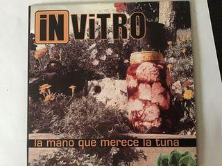 """IN VITRO """"la mano que mece la tuna"""" (BARRICADA)"""